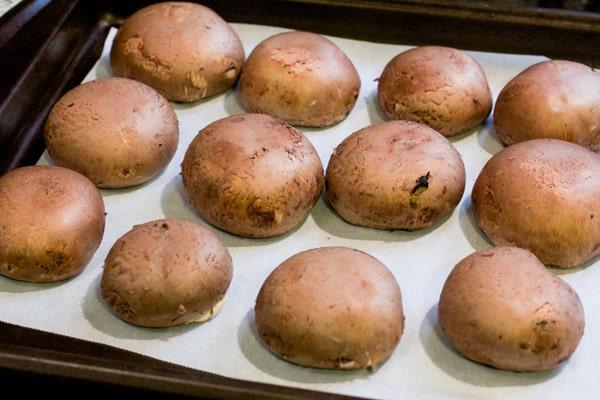 Red Beans & Quinoa Stuffed Mushrooms – I via veggiechick.com I #vegetarian #vegan #appetizers