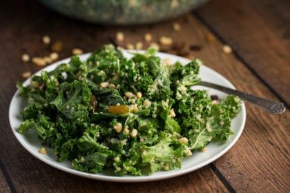 Kale Quinoa Salad | via veggiechick.com #vegan #glutenfree