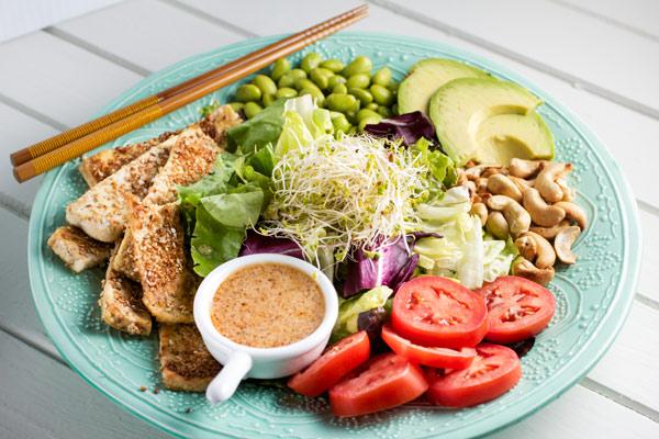 Crispy Sesame-Tofu Salad w/ Miso Dressing- via veggiechick.com #vegan ...