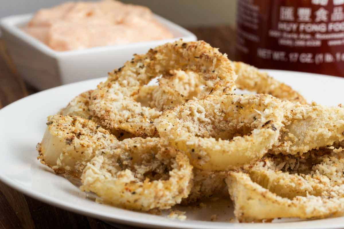 ... onion rings in the spicy mayo or ketchup. These onion rings are a