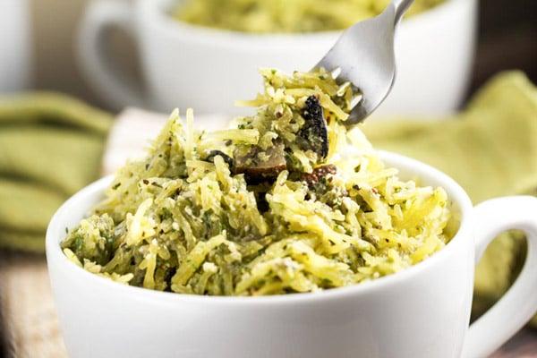 Spaghetti Squash Alfredo with Portobello Mushrooms via veggiechick.com #vegan #glutenfree