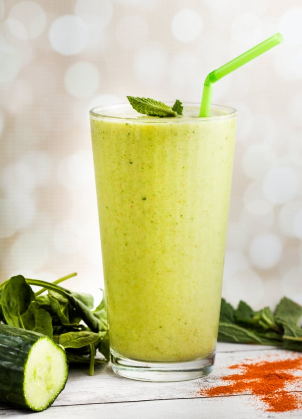 Mango-Cucumber Lime Smoothie-a little KICK from cayenne! via veggiechick.com #vegan