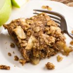 Apple Cinnamon Breakfast Squares via veggiechick.com #vegan #amazing
