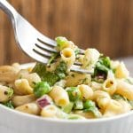 """Eat your Greens"" dairy free macaroni salad via veggiechick.com #vegan"