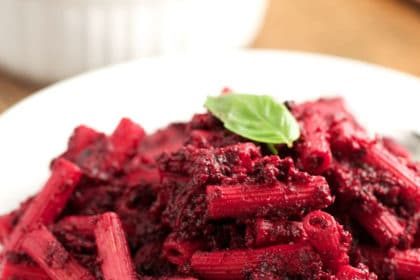 Roasted Beet Pasta via veggiechick.com #vegan