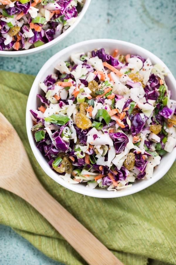 Poppyseed Coleslaw via veggiechick.com #vegan