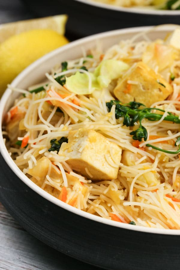 Vegetable Pancit |via veggiechick.com #vegan #glutenfree