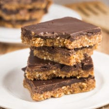 Peanut Butter Chocolate Bars | via veggiechick.com #vegan #gluten free