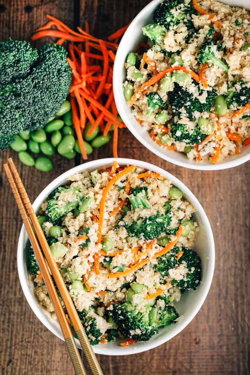 Cauliflower 'Rice' Stir Fry Bowl |via veggiechick.com #vegan #glutenfree