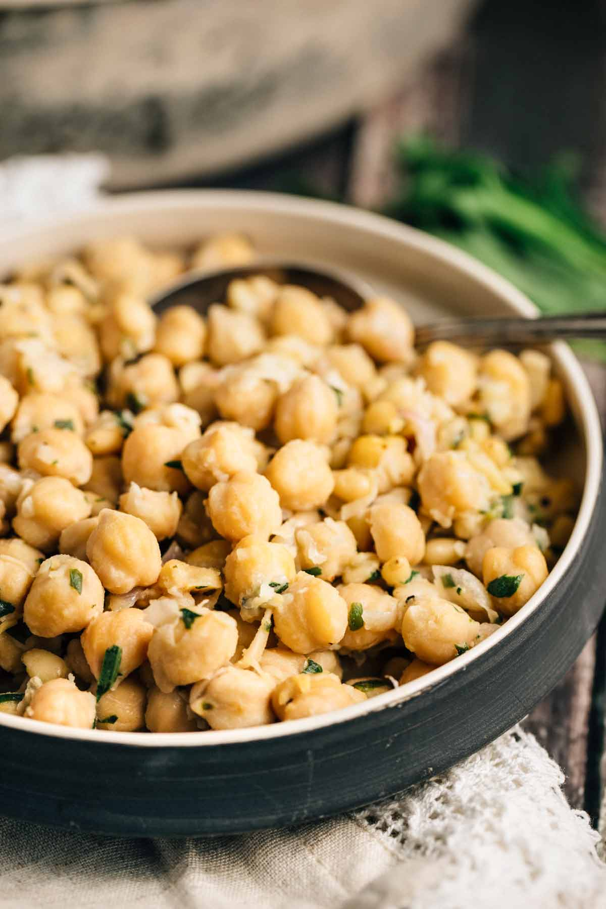 Lemon Chickpeas | via veggiechick.com #vegan #glutenfree
