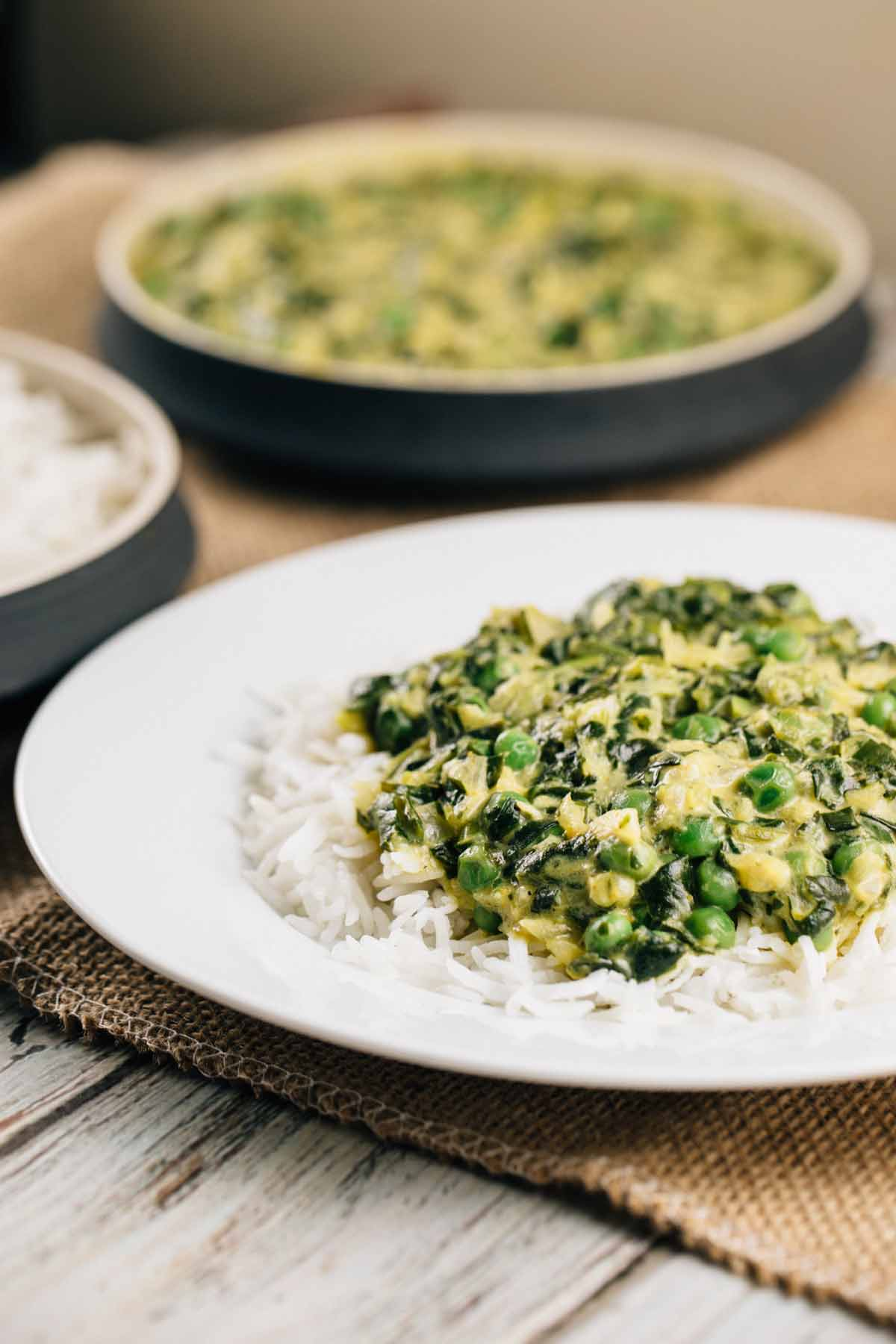 Spinach and Sweet Pea Coconut Curry | via veggiechick.com #vegan #glutenfree