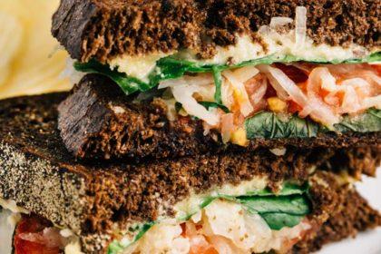 Veggie Reuben Sandwiches | via veggiechick.com #vegan, glutenfree