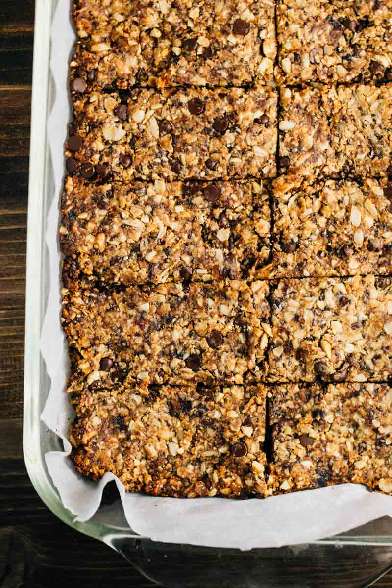 Peanut Butter Chocolate Granola Bars | via veggiechick.com #vegan #glutenfree