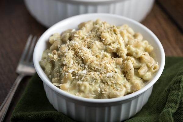 Green Chile Mac and Cheese   via veggiechick.com #vegan #oilfree