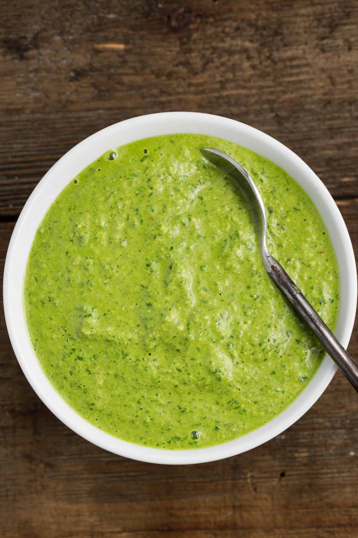 5-Minute Lemony Green Pesto Sauce | via veggiechick.com #vegan #oilfree