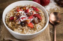 How to Make Oatmeal in your Instant Pot (yes, it's that easy) | via veggiechick.com