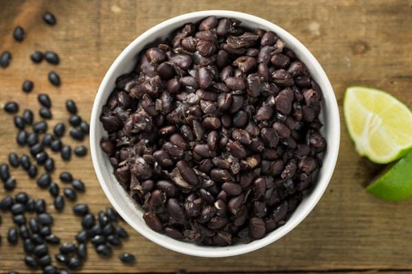 Instant Pot Chipotle Black Beans | via veggiechick.com
