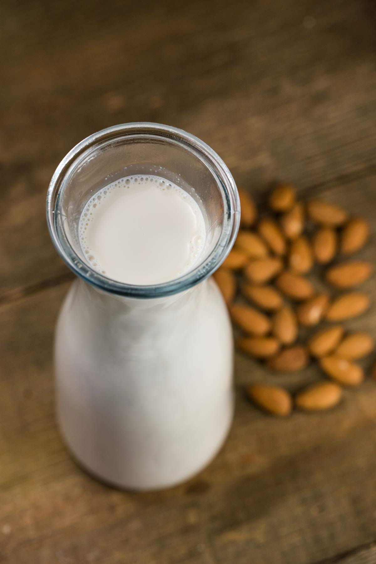 Homemade Almond Milk | via veggiechick.com