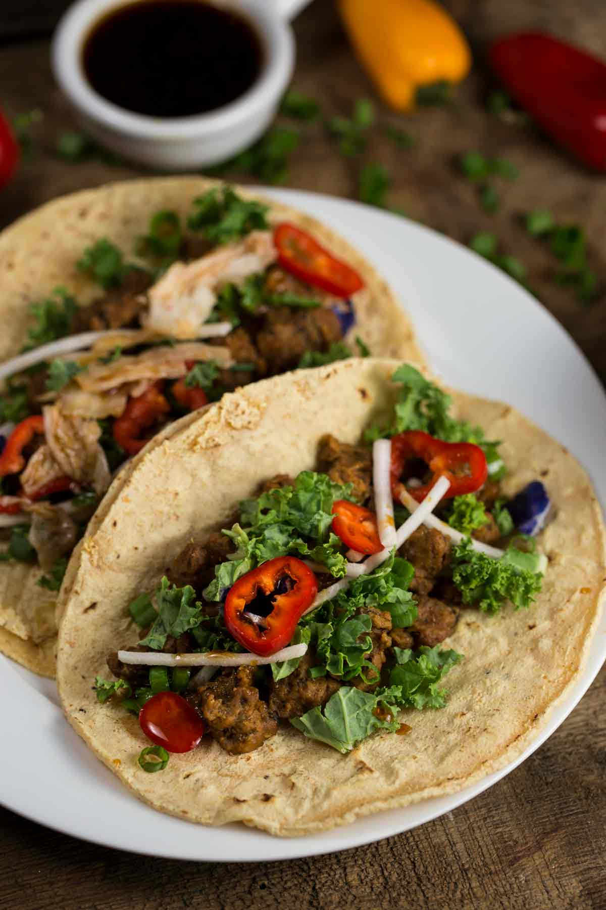 Korean Tacos with Spicy-Sweet Sauce | via veggiechick.com #vegan #glutenfree