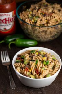 Spicy Jalapeno Pasta Salad | via veggiechick.com #vegan