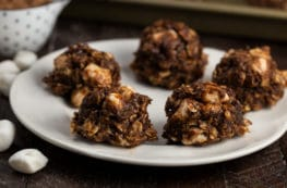 Vegan No-Bake Peanut Butter S'mores Cookies | via veggiechick.com #vegan #oilfree #nobake