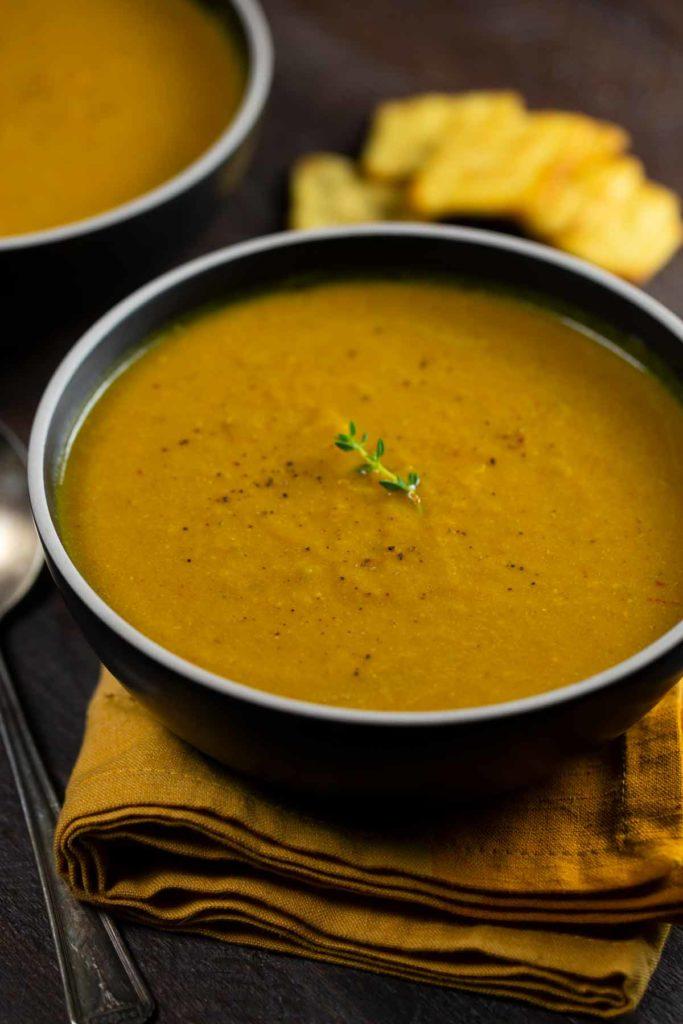Pumpkin Curry Soup | via veggiechick.com #vegan #glutenfree #oilfree