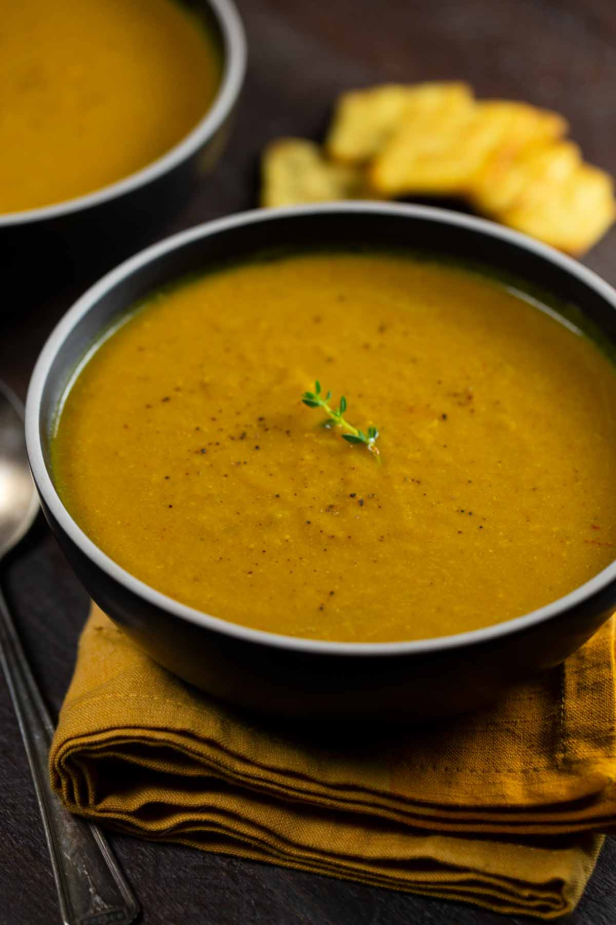 Pumpkin Curry Soup | via veggiechick.com #vegan #glutenfree #oilfree