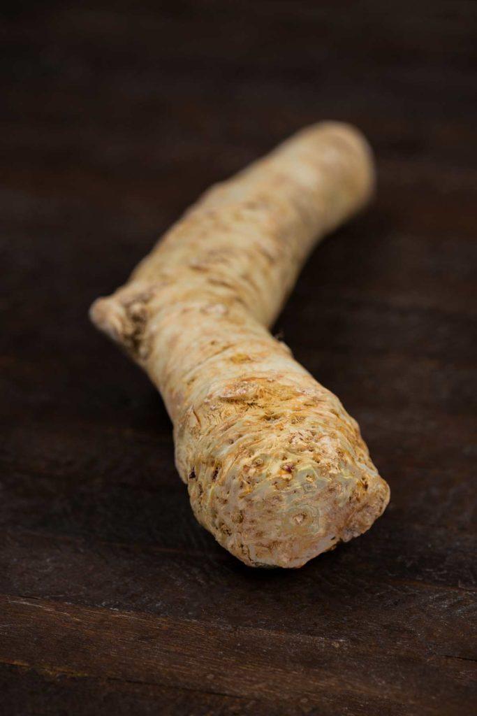 A medium sized horseradish.